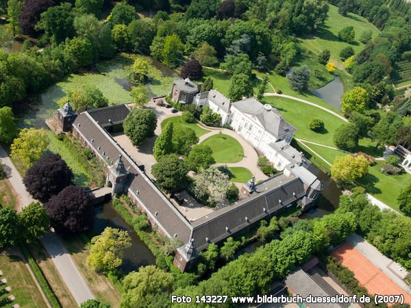 schloss heltorf d sseldorf angermund one of my favorite places to ride my bike to when i. Black Bedroom Furniture Sets. Home Design Ideas