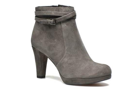 Clarks Kendra Shell Ankle Boots Color: Grey