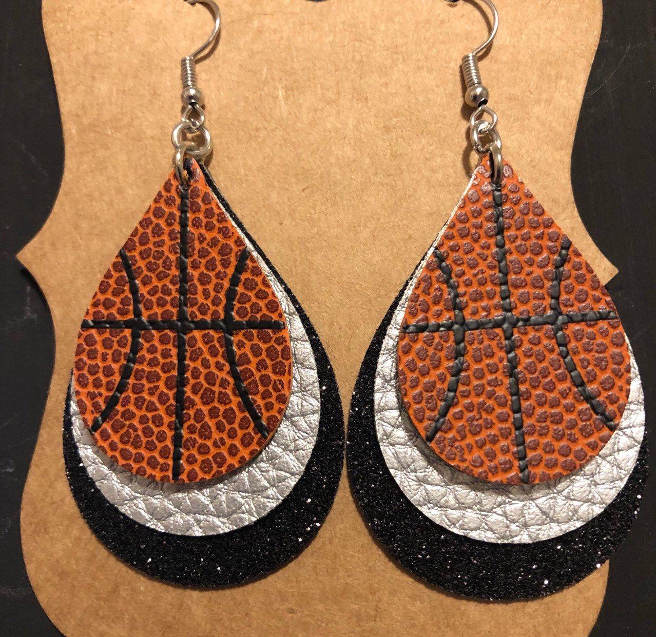 Color teardrop faux leather earrings