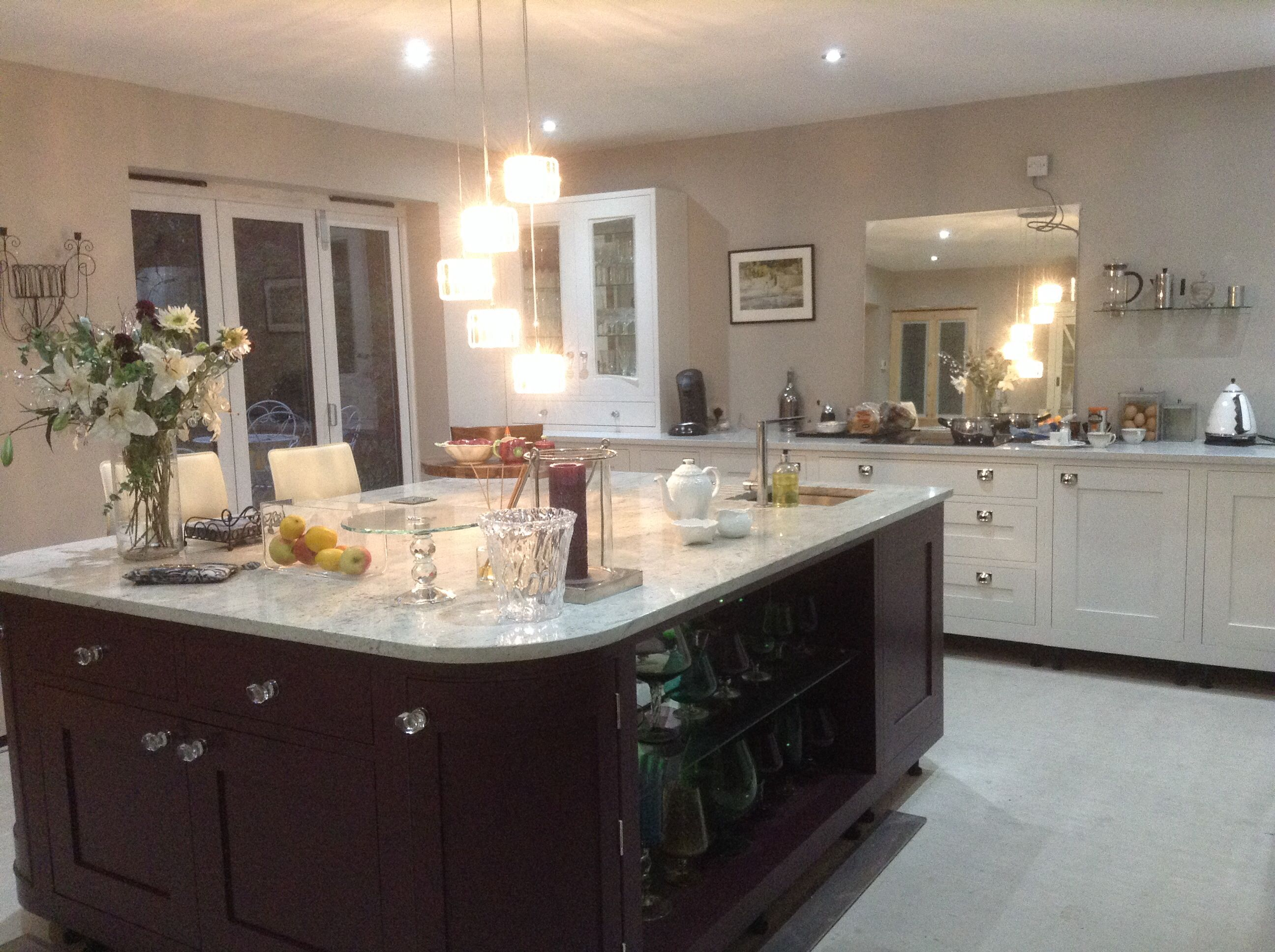 Best Island In Farrow And B*Lls Brinjal Work Top White River 400 x 300