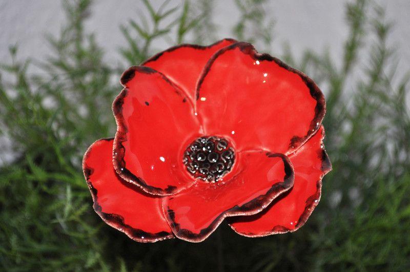 Pflanzen Gartenstecker 1 Mohnblume Keramik Ein Designerstuck Von Sylber Ceramics Bei Dawanda Mohnblume Blumen Und Keramik