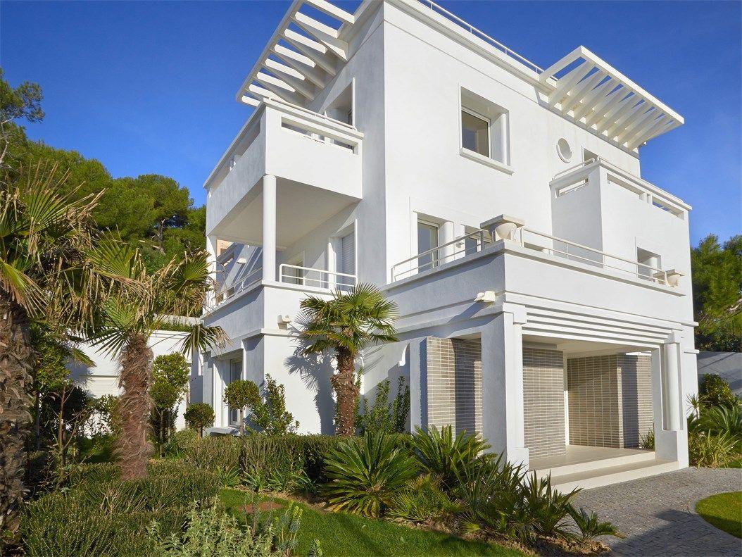 One of a kind Art Deco estate with private beach. | France immobilier de luxe à vendre | France agence immobilière de prestige - Sotheby's International Realty France - Monaco