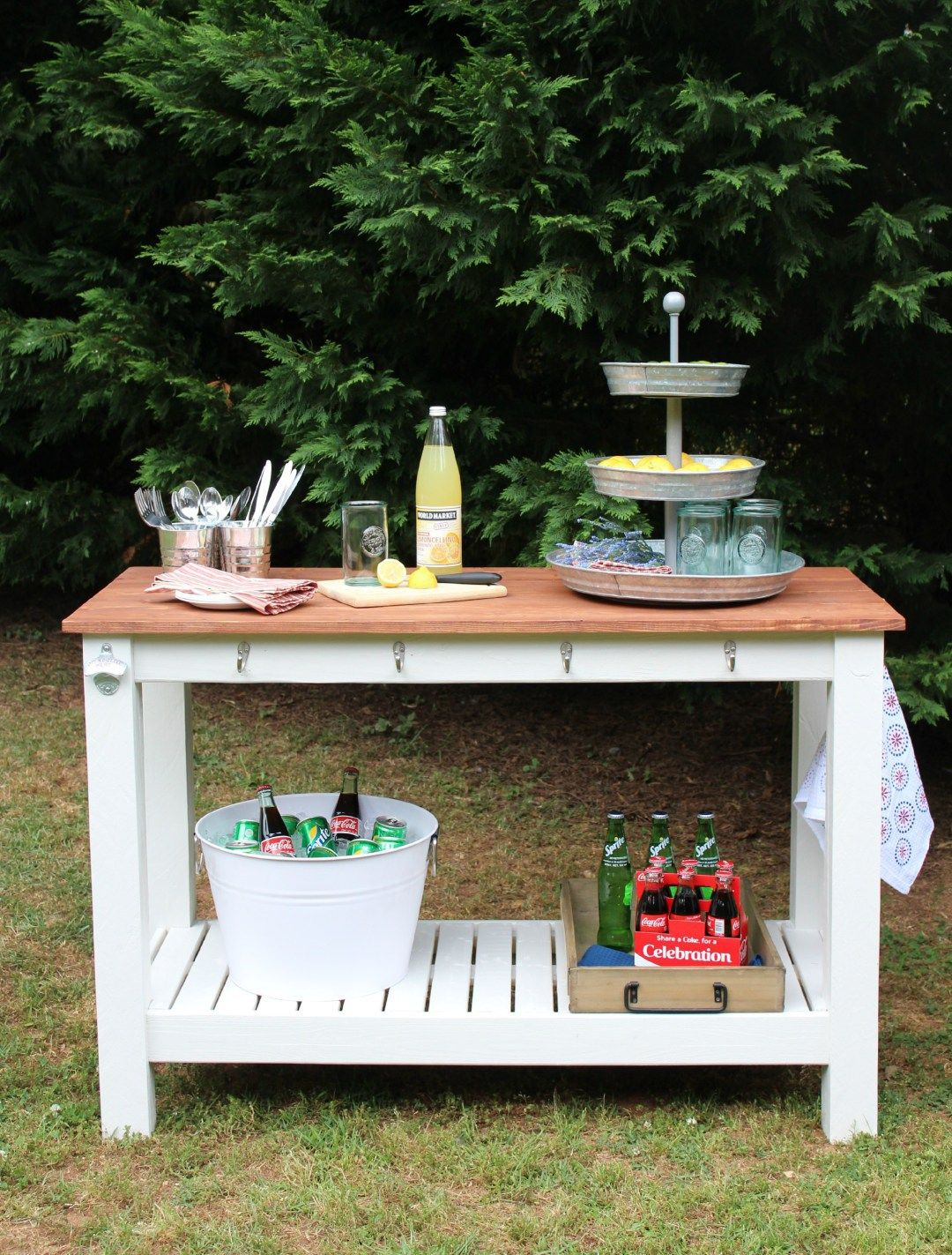 Everyone Loves A Good Outdoor Buffet We Sharing Our Easy Plans For You To Build Your Own Pottery Barn Inspired
