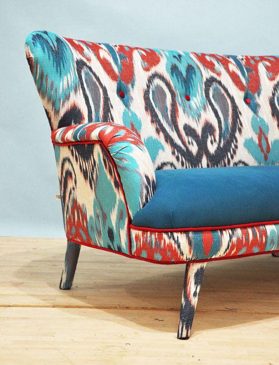 Sofá de dos plazas hecha a mano tapizado con hermosa tela Ikat de la ...
