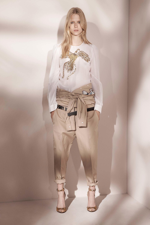 http://www.vogue.com/fashion-shows/resort-2017/no-21/slideshow/collection