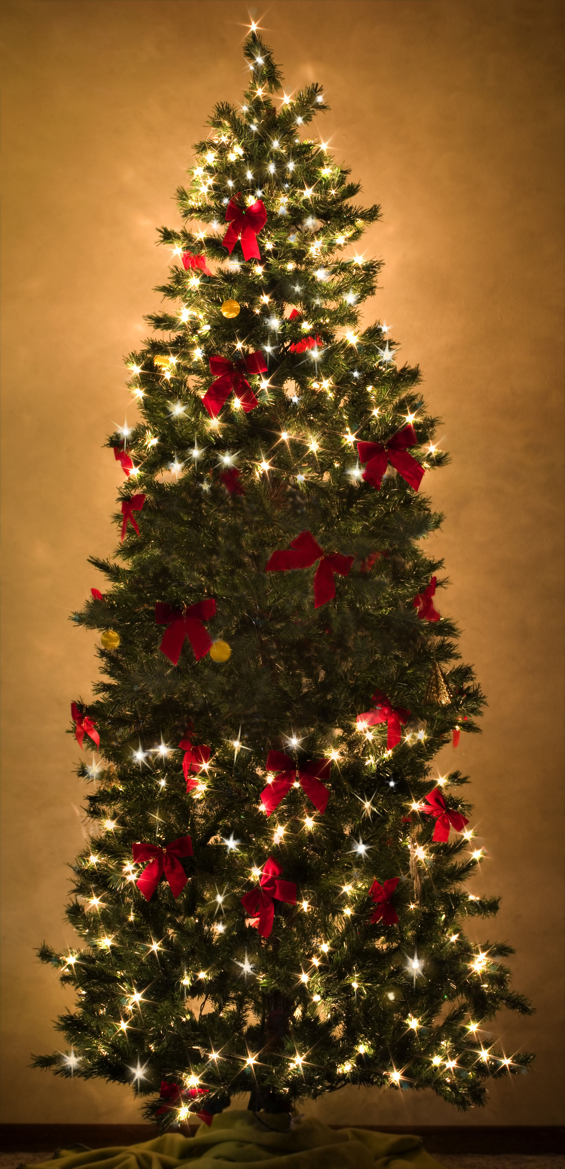 Lights out on your pre-lit tree? Buy a Trim-IT-Quick ...