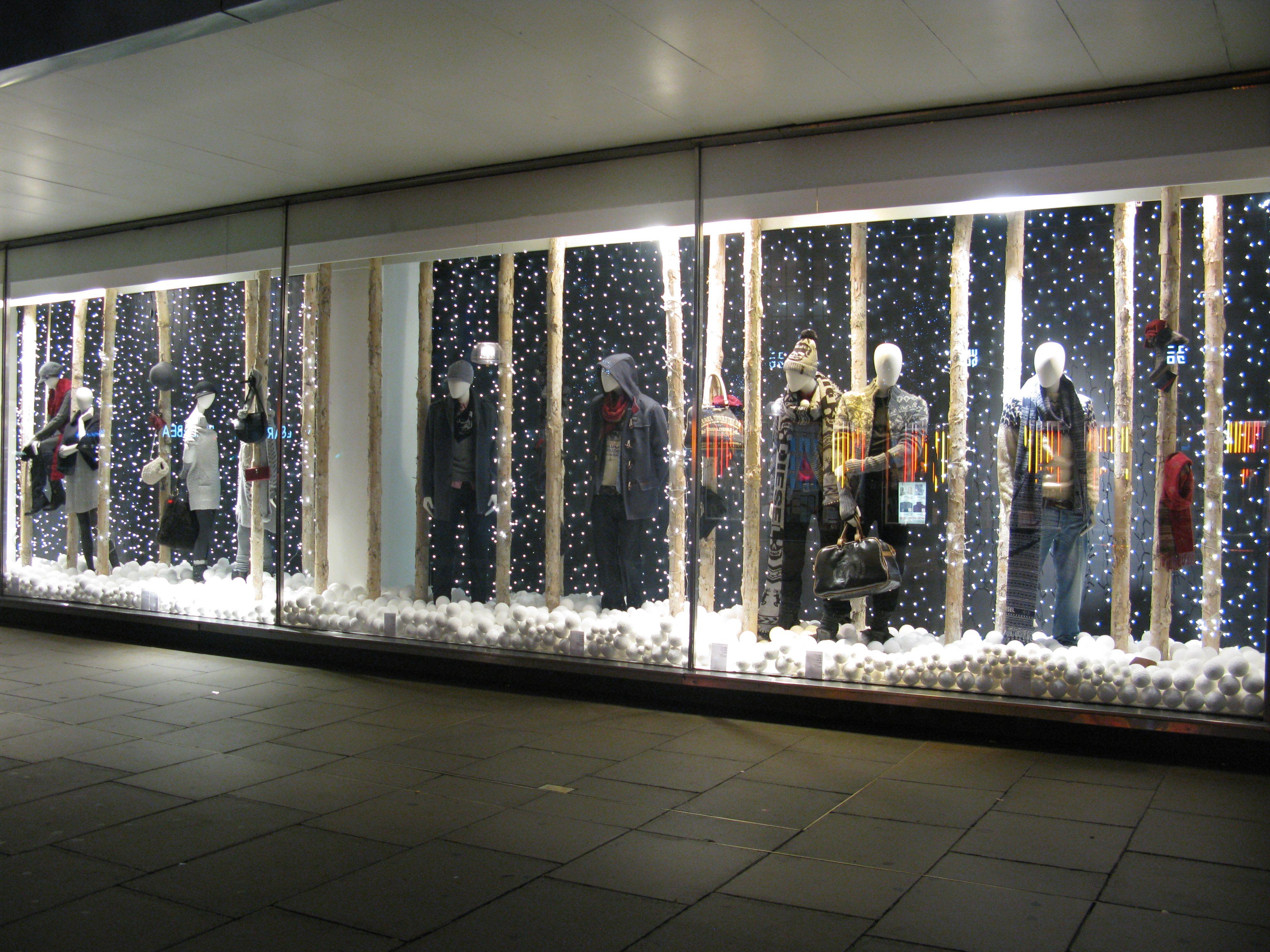 Freelance Visual Merchandiser Visual Merchandising Christmas Window Display Beautiful Windows