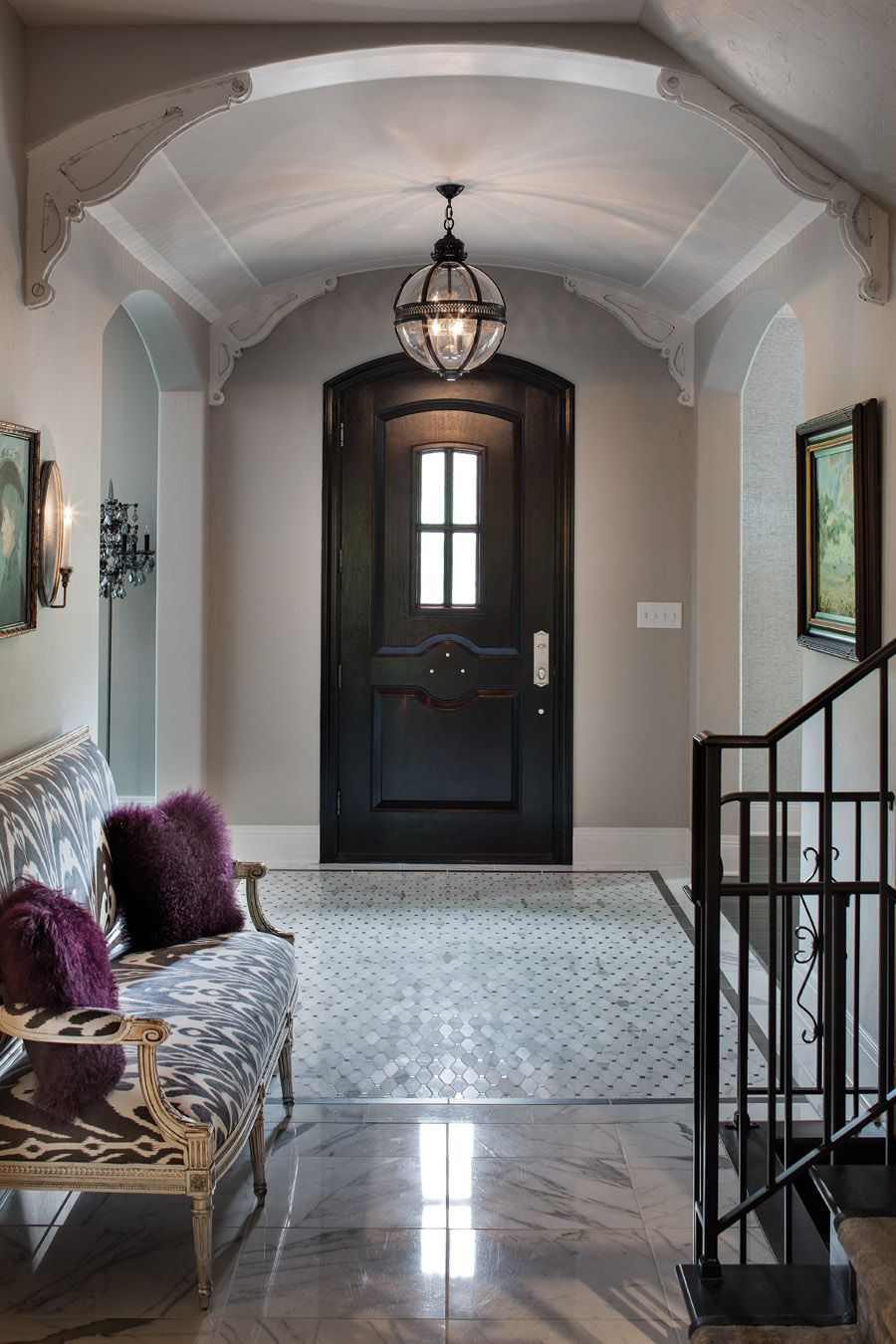 A Look Inside Interior Designer Jill Huse S French Inspired Home In Indianapolis Indiana Entryway Photos By Tony Valainis