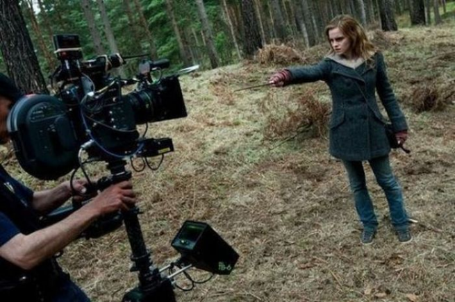 71 Rare Behind The Scenes Harry Potter Photos Epicstream Harry Potter Film Harry Potter Films Cultes