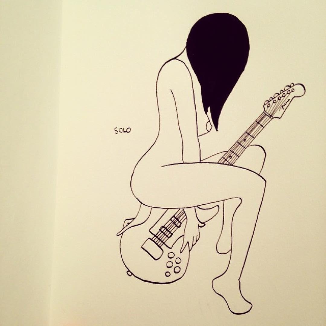 La mujer es como la guitarra, si sabes tocarla correctamente, la música que escuches será más placentera.   #Repost @petitesluxures ・・・ #illustration #eroticdrawing #eroticart #erotismo #erótica #arteemfoco #guitarra #musica #ilustracionesEroticas