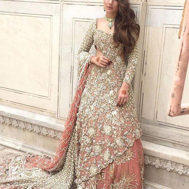 Behind the scenes of @republicwomenswear upcoming Bridal collection featuring the stunning @alyzehgabol.  #fashion #fashionblogger #pakistani #pakistanfashion #pakistanstylebook #style #lookbook #designer #pakistanstreetstyle #bridal #instastyle #instafashion #instalook #look #blog #blogger #styleblog #fashionblog #desi #fashiondiaries #stylediaries #ootdmagazine #ootd #fashionpost #makeup