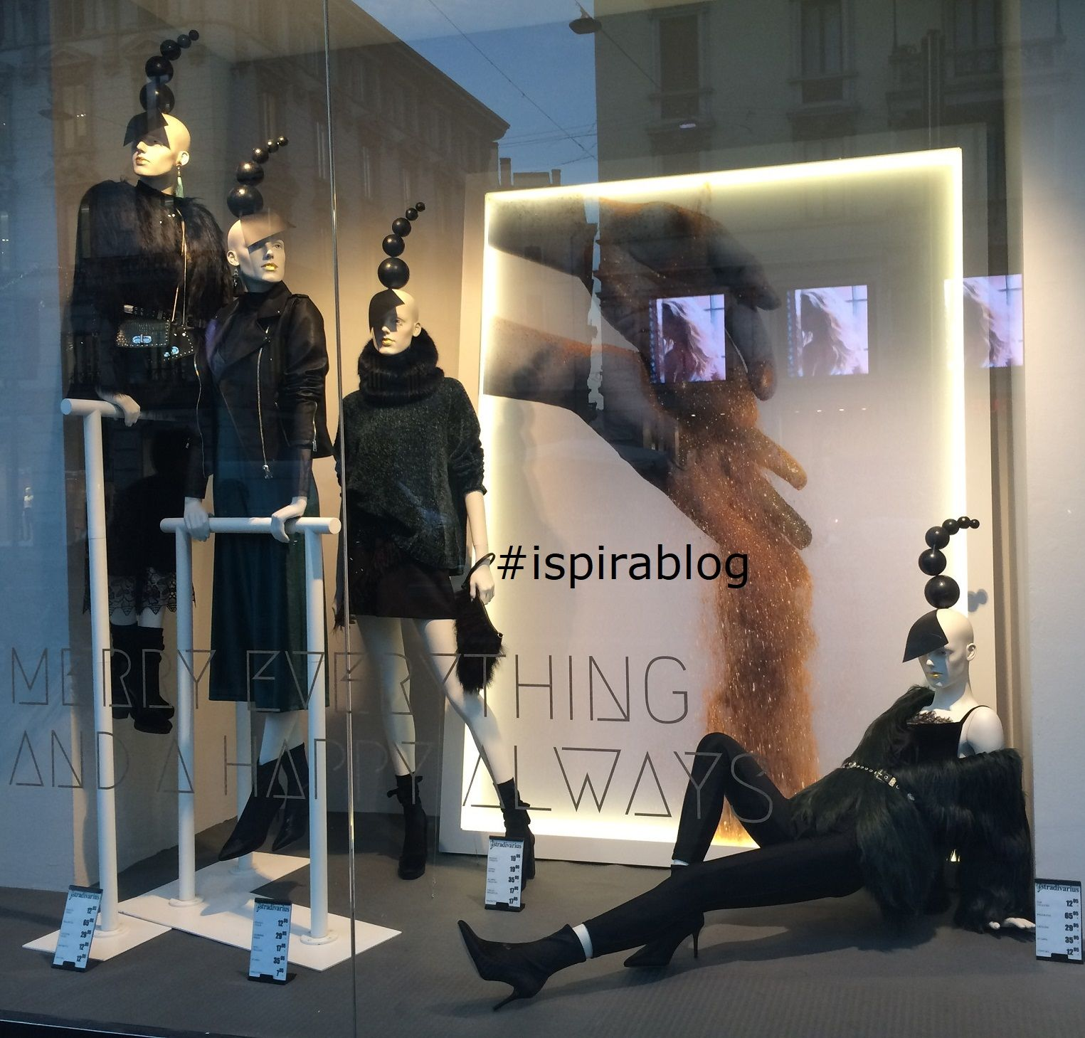 Stradivarius Milan - Winter 2017/18 - Womenswear Collection - black outfits with heeled boots and small handbags 2018-01-02 #ispirablog #stradivarius