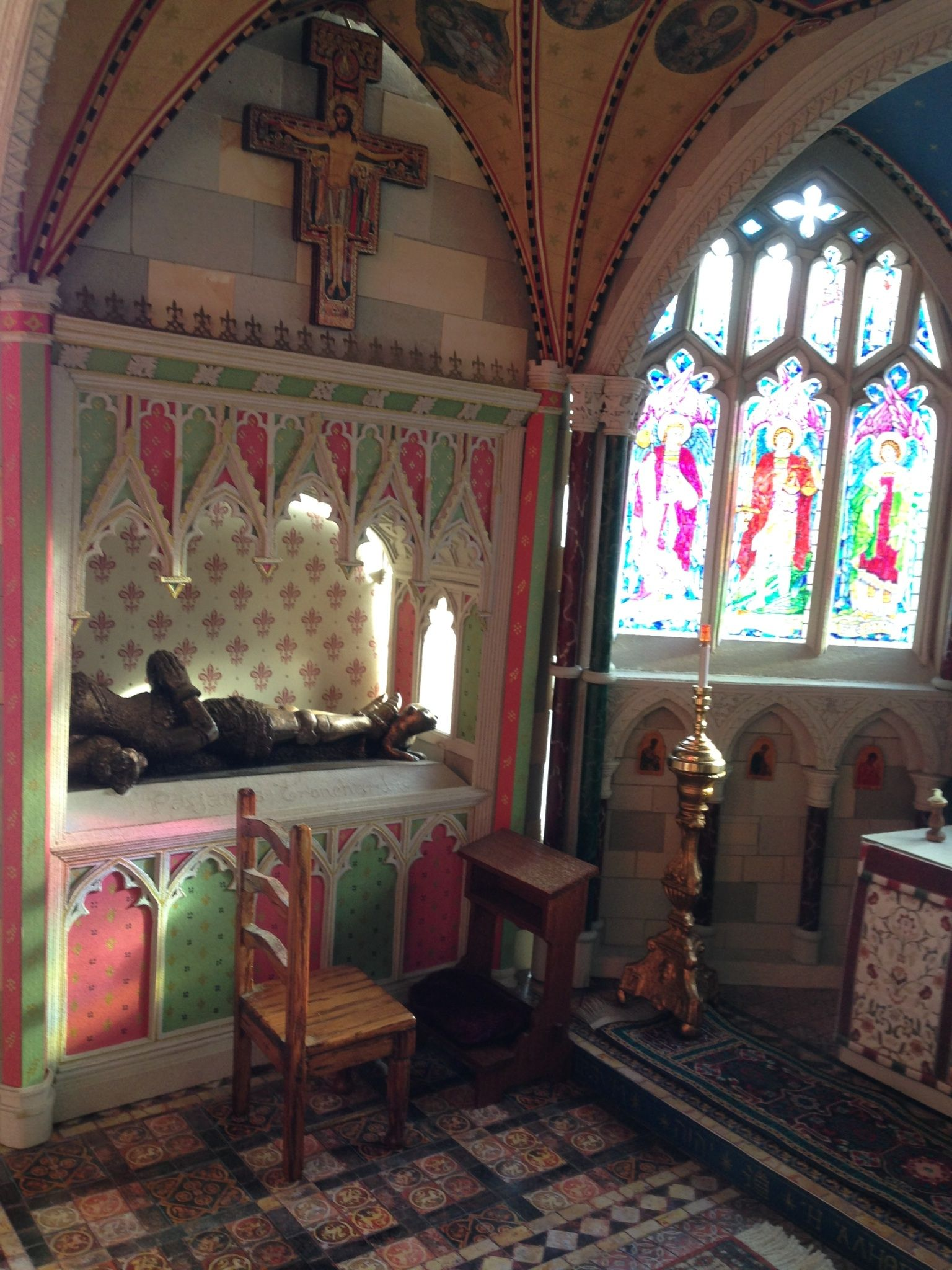 The tomb in my miniature chapel is made of layers of cereal packet card on top of front covers of exercise books, then decorated with a gold pen. The figure is from Canterbury Cathedral gift shop