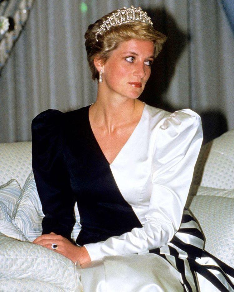 17 November 1986: Princess Diana at Al Yamamah Palace in Riyadh for ...