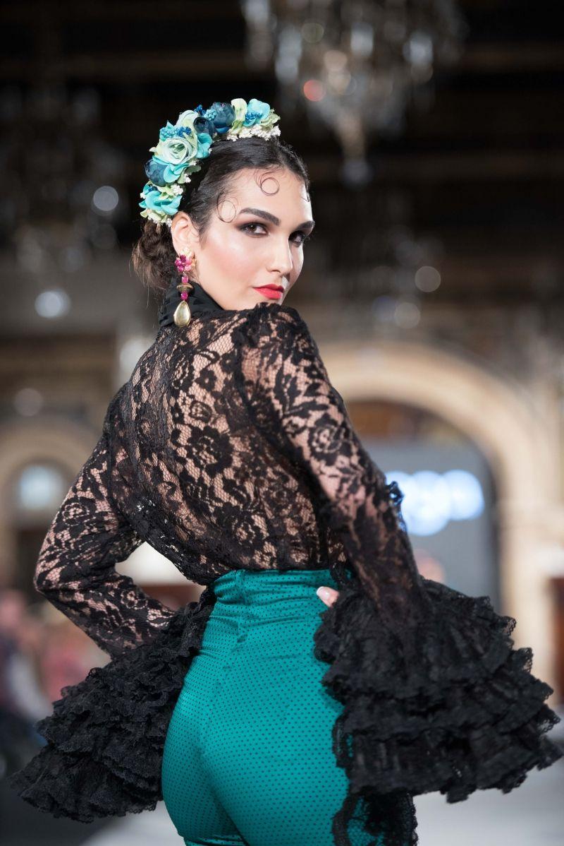 Minimalista peinados flamenca 2021 Imagen De Consejos De Color De Pelo - Aranega - We Love Flamenco 2018 - Sevilla   Vestido de ...