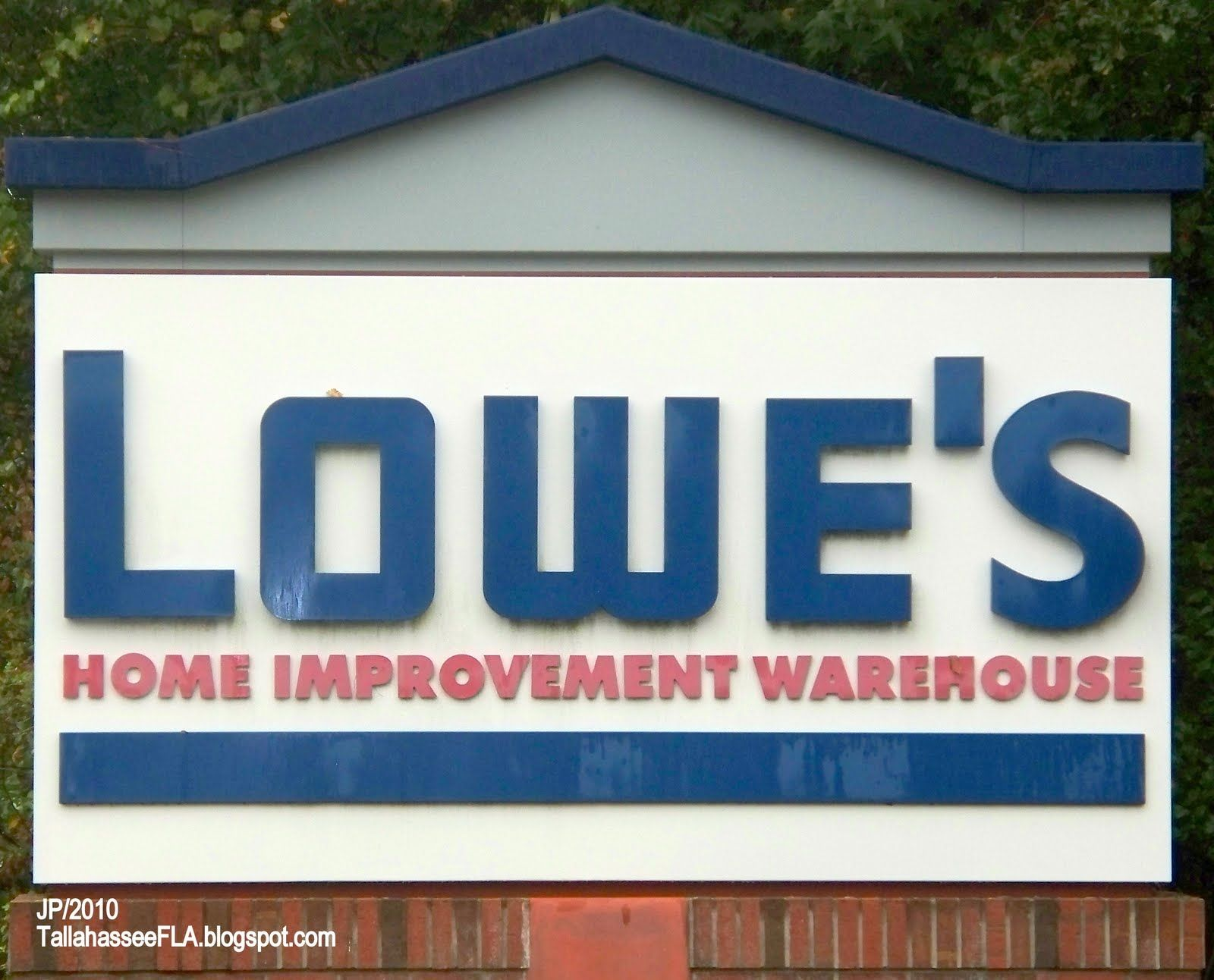 Lowe\'s Home Improvement Store - info on financing house improvements ...