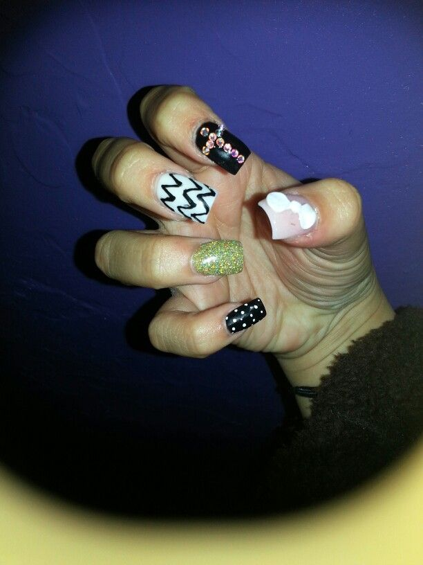 Different nail design  Love and show what you like