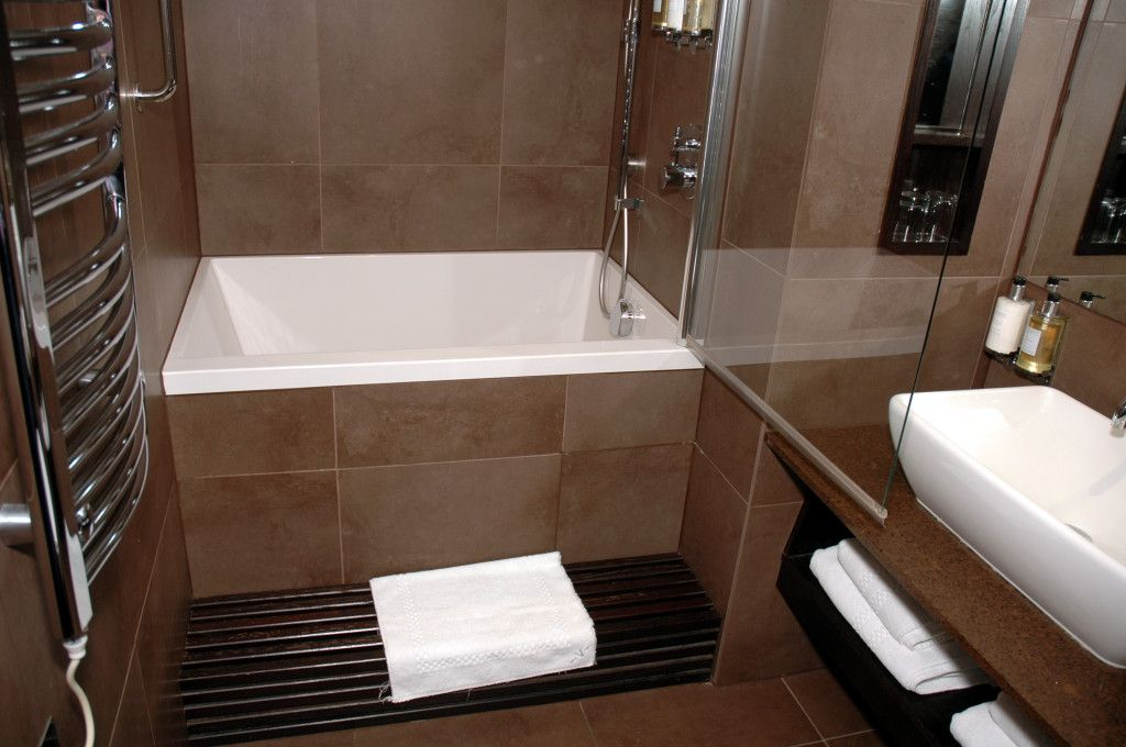Small Soaking Bathtub / Shower combo Great for small bathrooms; deep ...