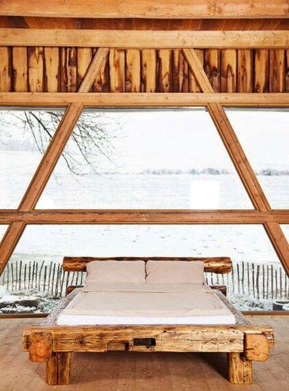 Laiwandes Bett aus oide HolzTram Bett holz, Rustikales