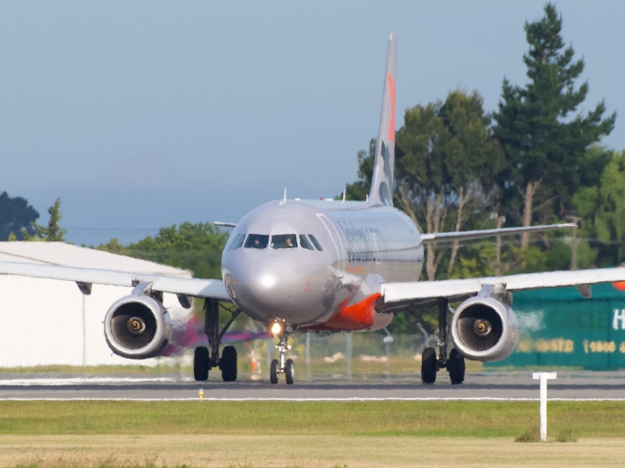 Jetstar Airbus A320 at Christchurch Type Airbus A320232