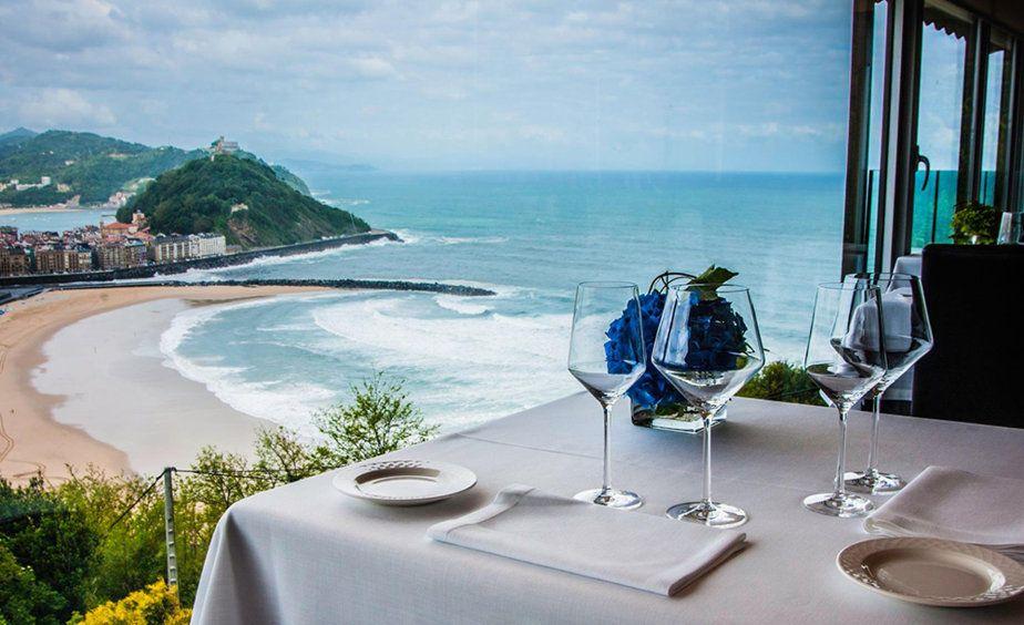 Una ciudad repleta de restaurantes y cuya gastronomía es todo un referente. ¿Dónde comer? ¿Dónde dormir? ¿Dónde comprar?
