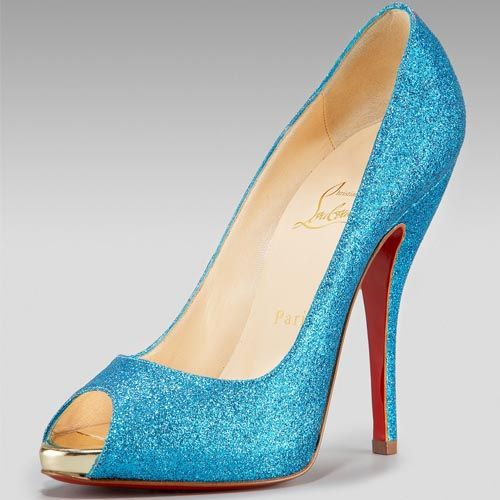bb82d4590225 Google Image Result for  http   www.thelouboutinshoesoutlet.com images outlet Christian-Louboutin -Pumps-360.jpg