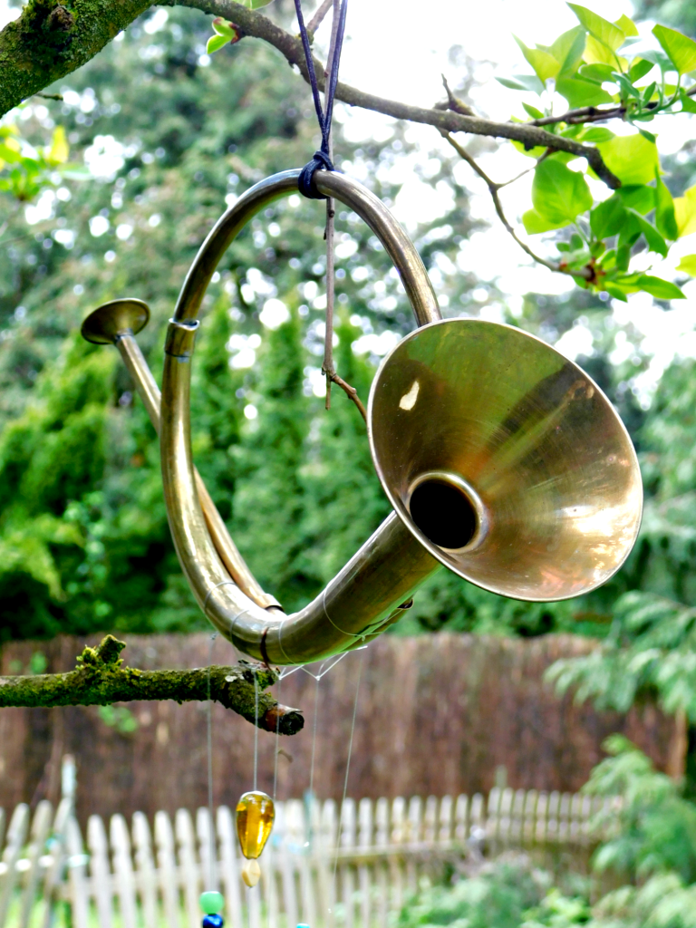 Musical Horn Wind Chime | Fun Family Crafts | Diy garden