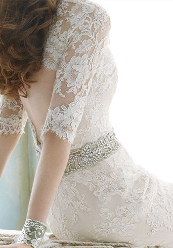 335cf2322ce3 I have no reason to post this, but if I were getting married again, I would  get a dress like this