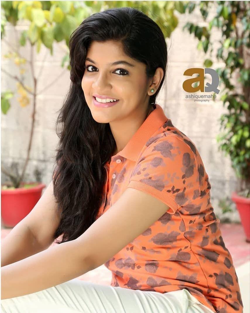 Aparna Balamurali Follow Cinetimesmedia Aparna Balamurali Aparnabalamurali Cinetimesmedia Cinetimes Beauty Girl Beautiful Girl Indian Cute Girl Face