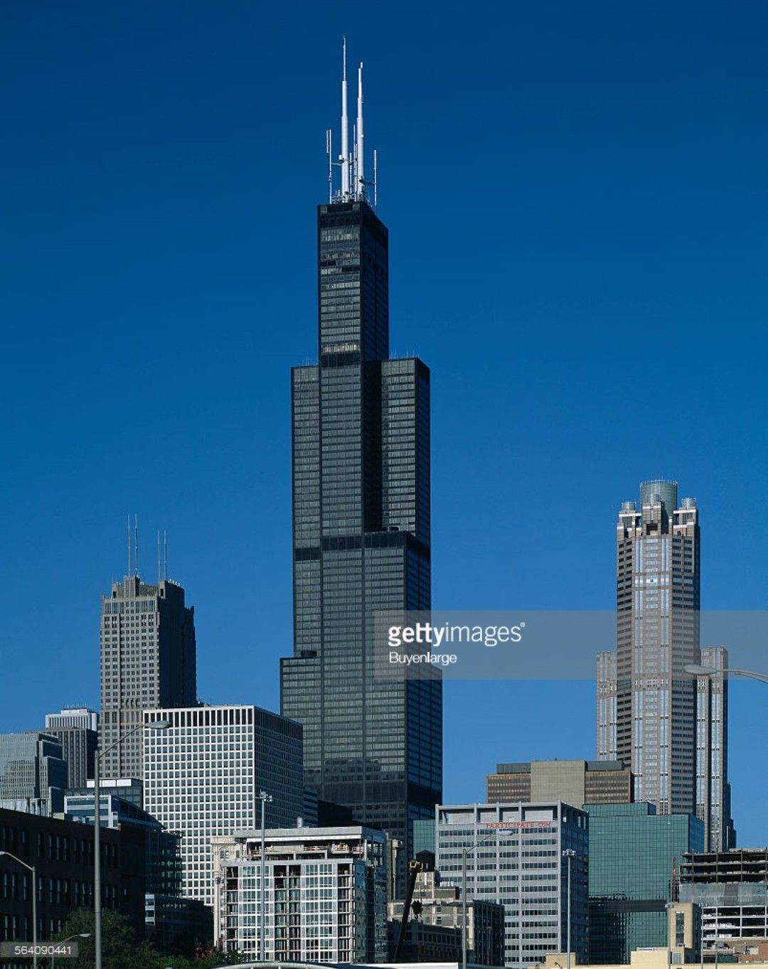 Sears Willis Tower At One Time The Tallest Building In The World Sears Tower Famous Architecture Willis Tower