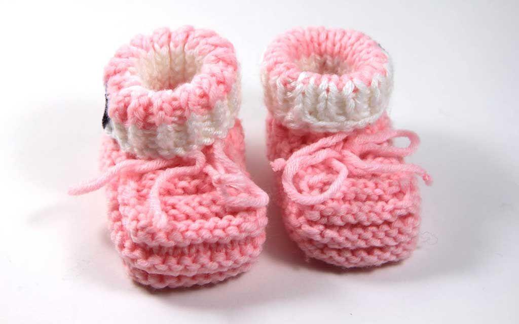 Photo of Kostenlose Anleitung: Einfache Babyschuhe stricken