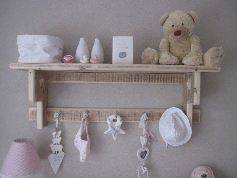 Wandrek lotje leuk voor in de babykamer wandrek keukenrek kapstok l m steigerhout - Idee voor babykamer ...