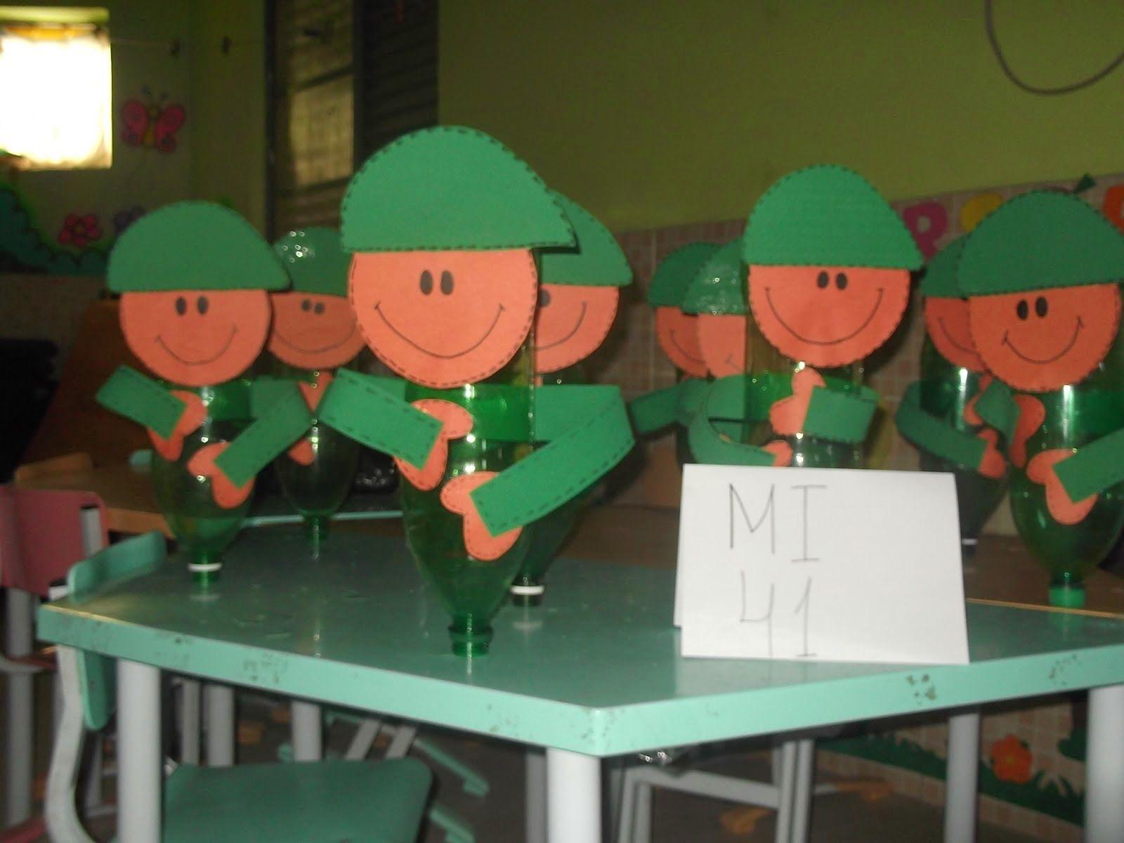 Extremamente Dia do soldado atividade de reciclagem: Soldados feitos com sucata  QF45