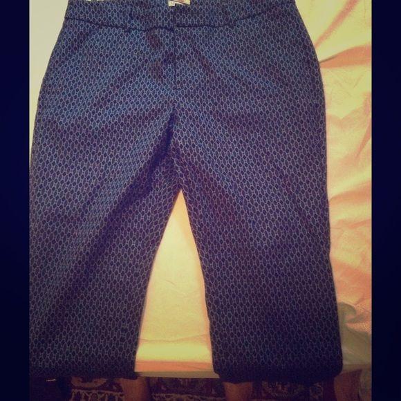 Merona Capri pants Navy and royal blue print Capri pants. Cotton/poly/spandex blend. Never worn, no imperfections. Classic fit Merona Pants Capris