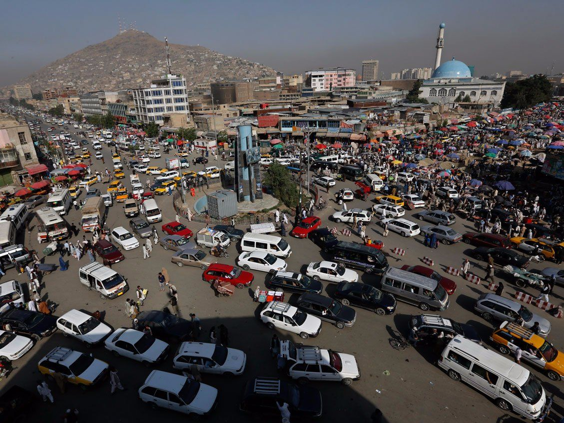 21 Photos Of Traffic Jams That Will Make Your Commute Seem Less Horrible Kabul City Traffic