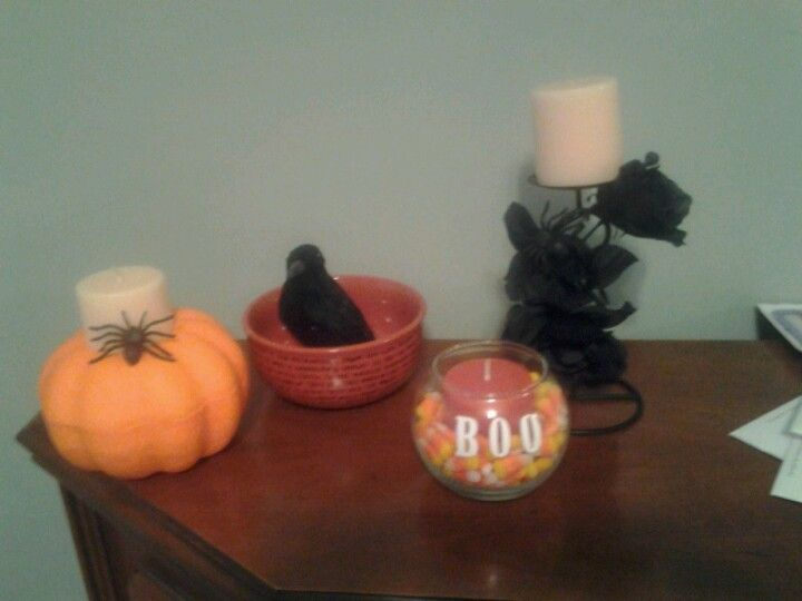 Halloween Decorations on a Budget Lindsay Varzaly Pinspired