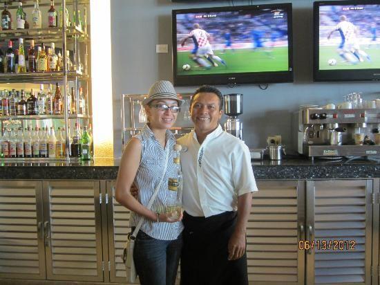 Beach Palace: sport bar