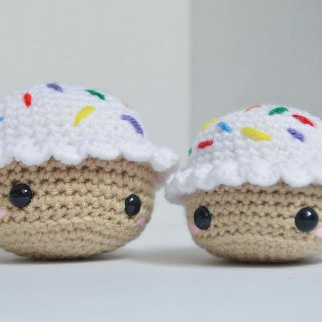 Cupcake Amigurumi by loadsocuties