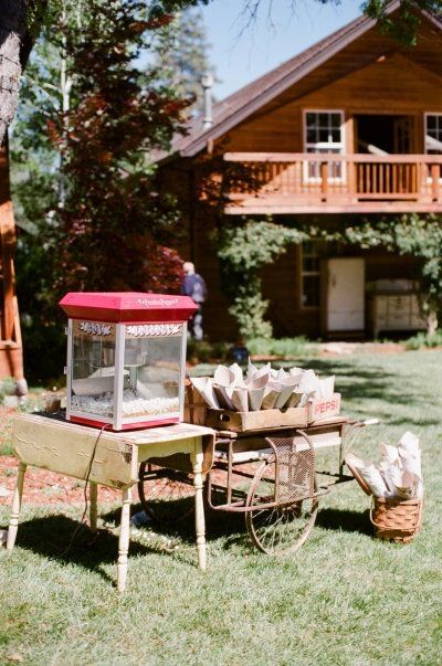 Popcorn bar how to throw a perfectly organized diy wedding in your popcorn bar how to throw a perfectly organized diy wedding in your backyard https solutioingenieria Image collections