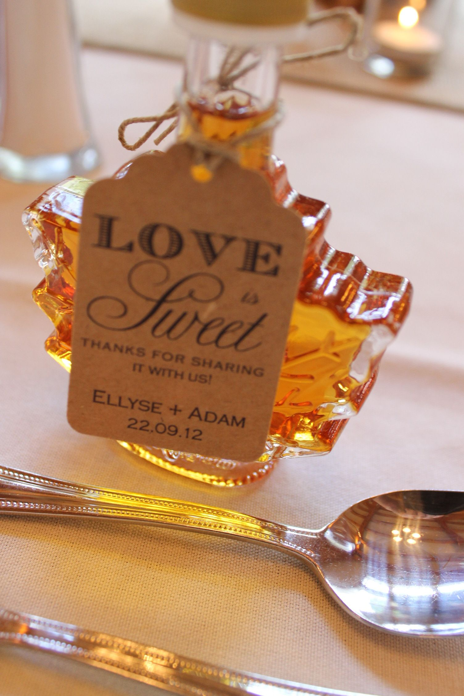 af12561a60a 50 mL leaf bottle filled with maple syrup. Personalize with your own ...