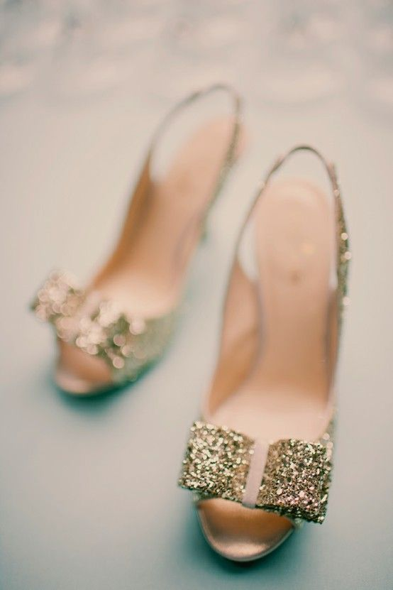 Kate Spade heels | #gold #wedding