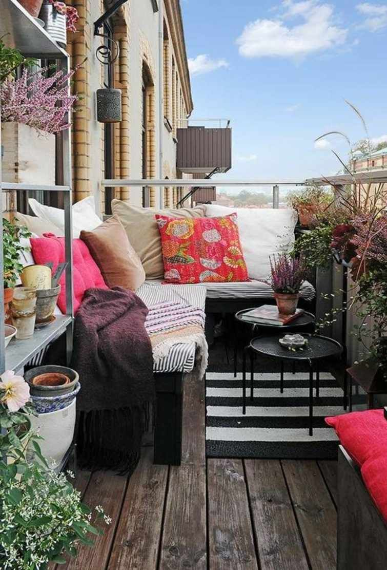 D coration balcon 99 id es am nagement petits espaces for Decoration terrasse maison