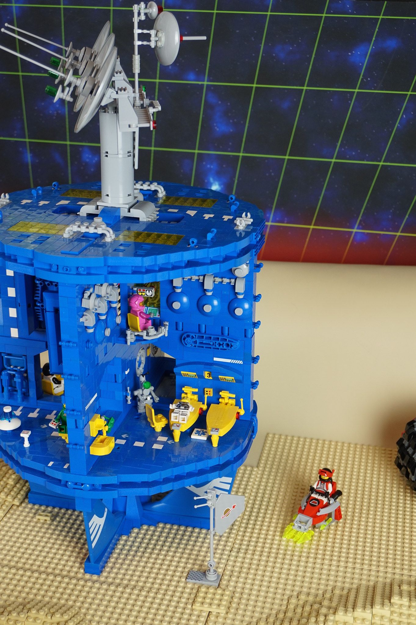 Https Flic Kr P Tuwwl6 Classic Space Base Lego Space Cool Lego Creations Cool Lego
