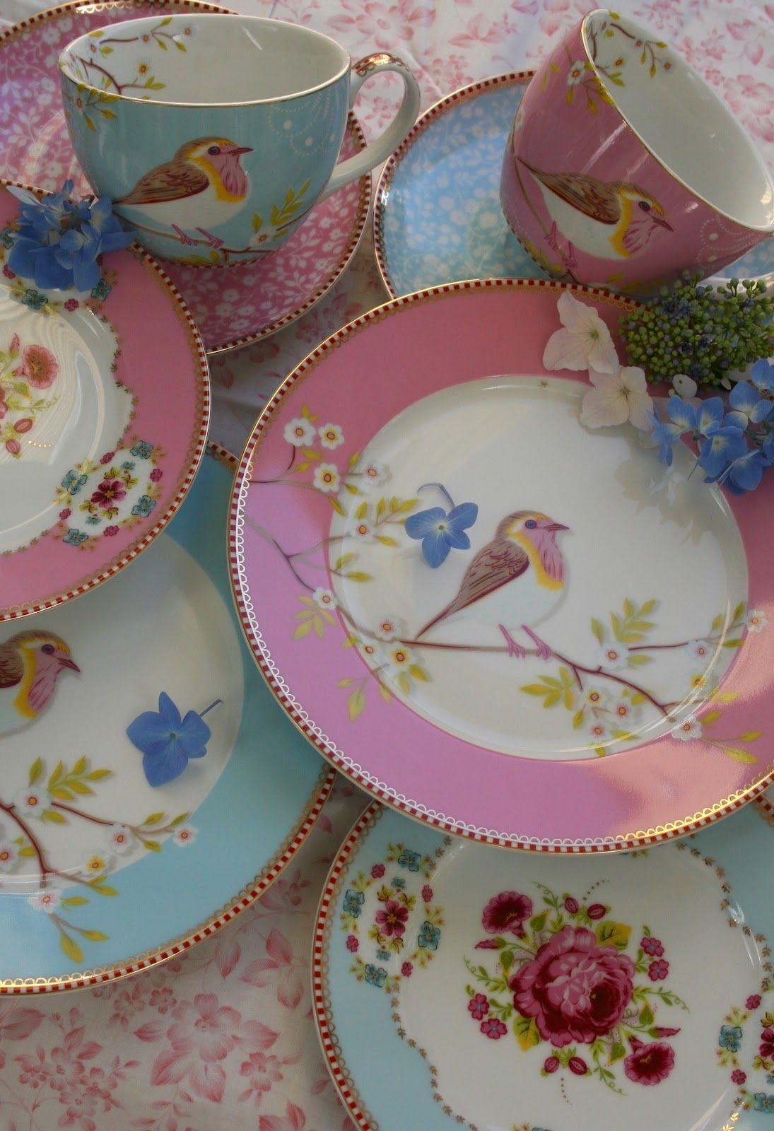 pretty china with birds birds in arts crafts pinterest geschirr porzellan und romantik. Black Bedroom Furniture Sets. Home Design Ideas