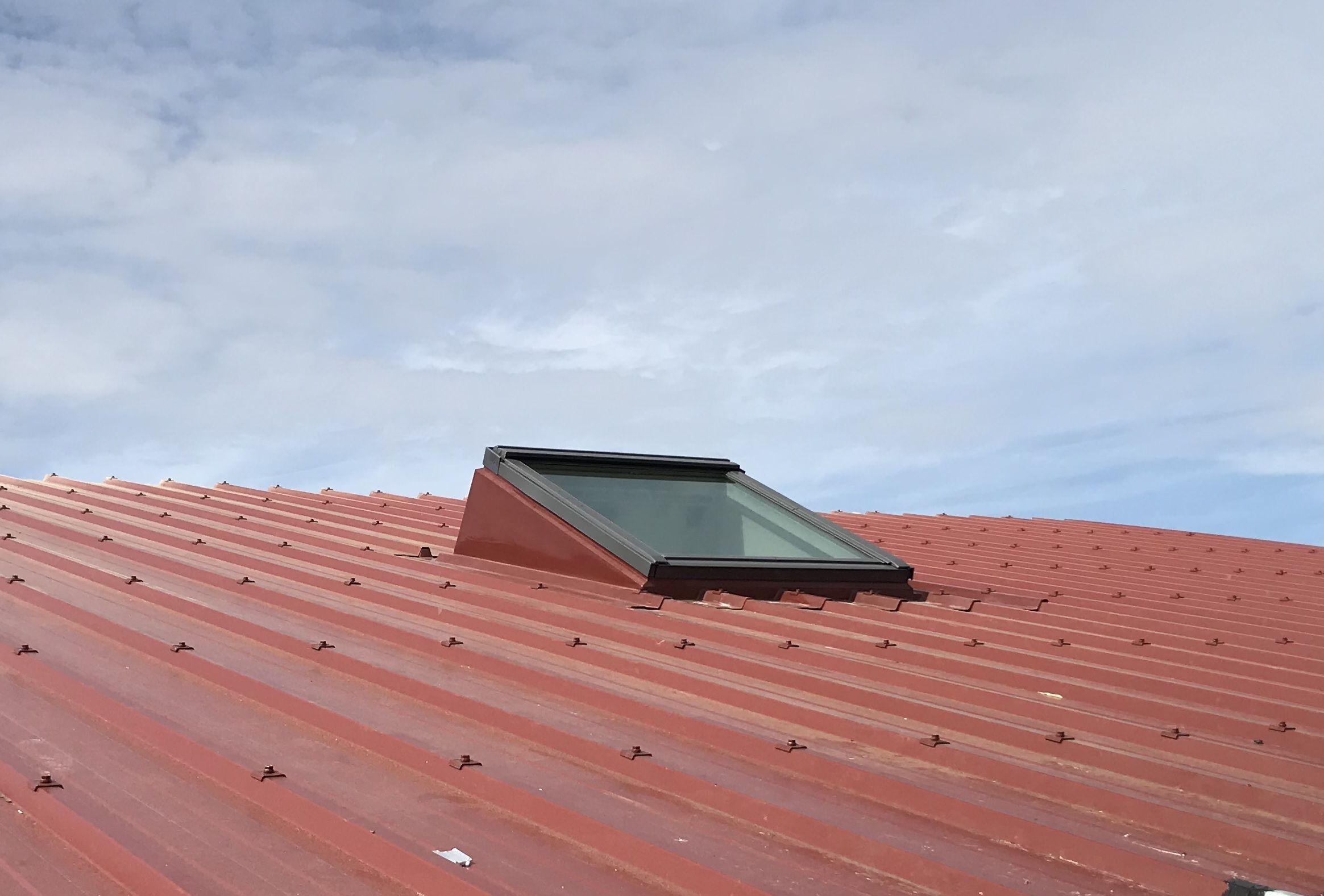 techni embase fenetre de toit costiere velux pour bac acier embase fen tre de toit pinterest. Black Bedroom Furniture Sets. Home Design Ideas