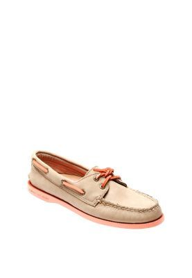 cd52b4cc0b523 Pin by ZALORA Philippines on ZALORA ♥ wanderlust | Sperrys, Sperry ...