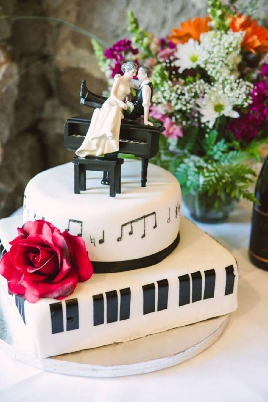 Jazz piano and music note wedding cake music wedding