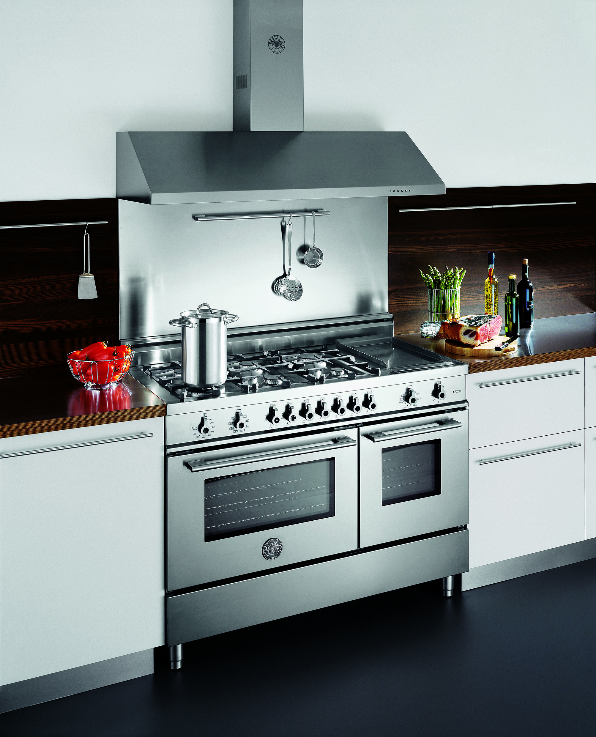 There are two styles of #Bertazzoni cookers available from Chef\'s ...