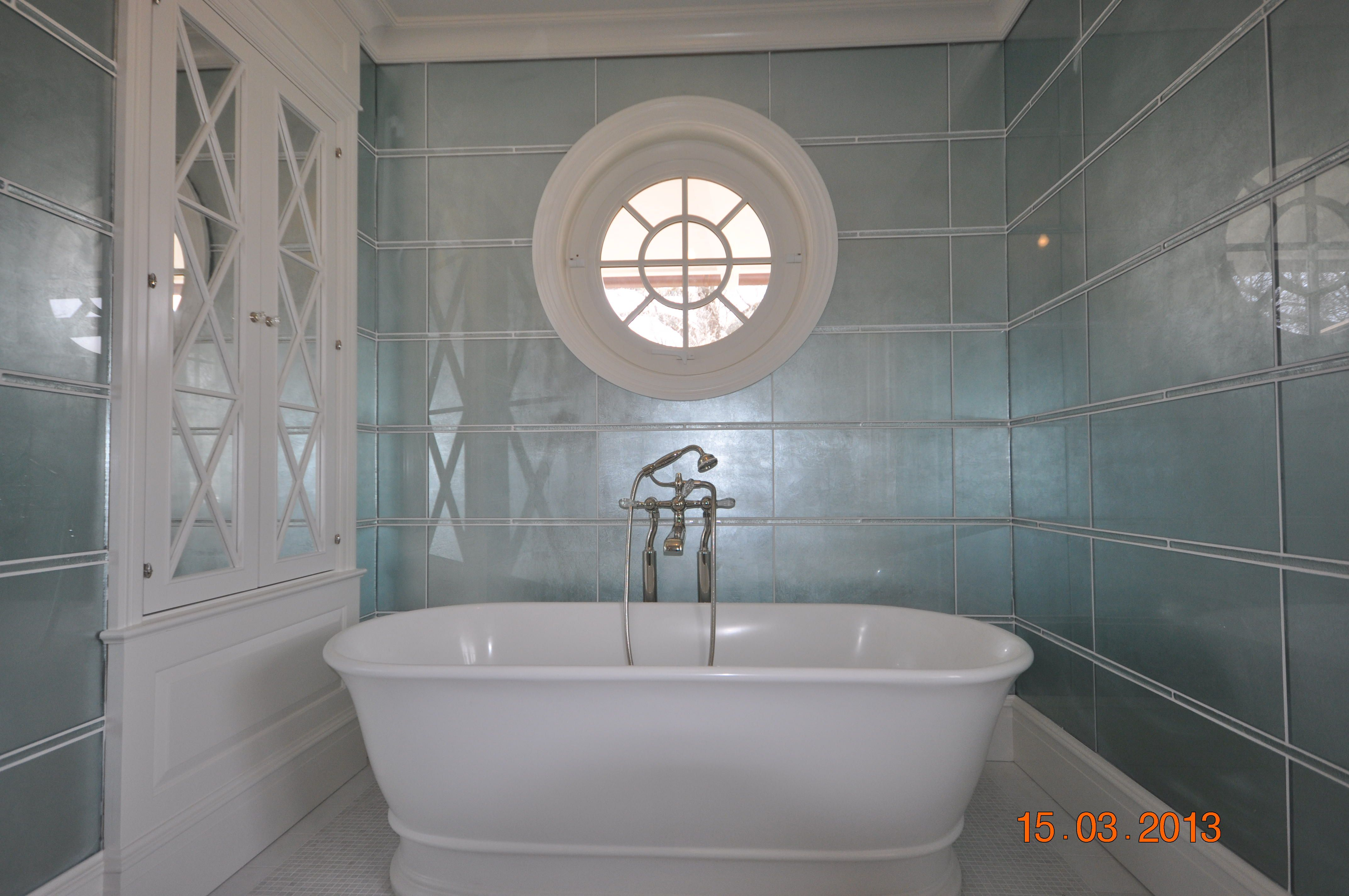 12x24 glass tile specialty glass very expensive with 1x24 glass glass tile specialty glass very expensive with glass liner in between rows of tile bath floor is mosaic natural stone dailygadgetfo Image collections
