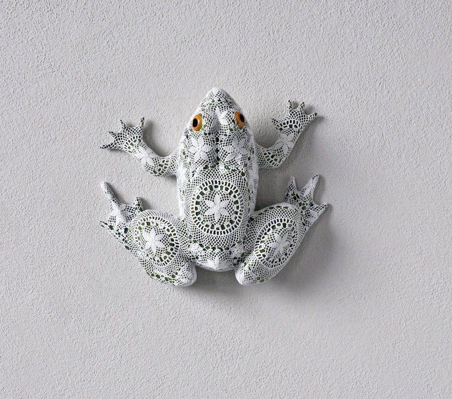 Joana Vasconcelos Ceramic animals, Art, Frog jewelry